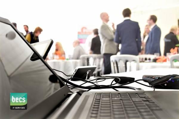 Aankondiging: IT Seminar Cloud Computing en VoIP bellen